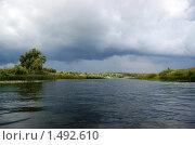 Купить «Грозовая туча над рекой Угрой», фото № 1492610, снято 6 августа 2007 г. (c) Елена Ильина / Фотобанк Лори