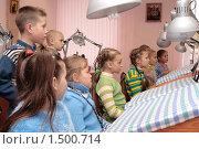 Купить «Дети на уроке труда», эксклюзивное фото № 1500714, снято 8 сентября 2007 г. (c) Вячеслав Палес / Фотобанк Лори