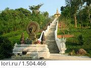 Купить «Алтарь и дорога к буддистскому храму. Таиланд», фото № 1504466, снято 11 декабря 2008 г. (c) Татьяна Белова / Фотобанк Лори