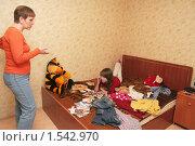 Купить «Конфликт матери и дочери», фото № 1542970, снято 16 ноября 2008 г. (c) Бондаренко Олеся / Фотобанк Лори