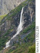 Купить «Горный водопад», фото № 1552230, снято 18 августа 2009 г. (c) Виталий Романович / Фотобанк Лори