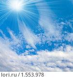 Купить «Облака и солнце», фото № 1553978, снято 31 июля 2009 г. (c) ElenArt / Фотобанк Лори