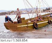 Купить «Промышленное рыболовство в Черном море в районе Сочи», эксклюзивное фото № 1569854, снято 26 октября 2006 г. (c) Анна Мартынова / Фотобанк Лори