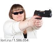 Купить «Девушка с пистолетом», фото № 1586054, снято 22 марта 2010 г. (c) Яков Филимонов / Фотобанк Лори