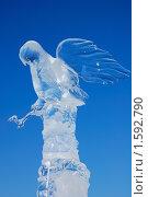 Купить «Ледовая скульптура», фото № 1592790, снято 20 марта 2010 г. (c) Юрий Бульший / Фотобанк Лори