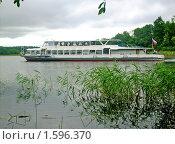 Теплоход на озере Селигер (2009 год). Редакционное фото, фотограф Сергей Прокопьев / Фотобанк Лори