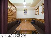 Купить «Интерьер отдельного кабинета в кафе», эксклюзивное фото № 1605546, снято 4 июня 2008 г. (c) Иван Сазыкин / Фотобанк Лори