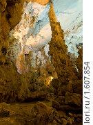 Купить «Пещера Дау Го», фото № 1607854, снято 4 января 2010 г. (c) Борис Иванов / Фотобанк Лори