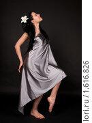 Купить «Девушка c белой лилией», фото № 1616826, снято 3 марта 2010 г. (c) Okssi / Фотобанк Лори