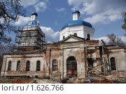 Купить «Реставрация старой церкви г. Трубчевск», фото № 1626766, снято 18 апреля 2010 г. (c) Александр Шилин / Фотобанк Лори