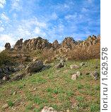 Купить «Долина Привидений близ горы Демерджи, Крым, Украина», фото № 1629578, снято 3 мая 2009 г. (c) Юрий Брыкайло / Фотобанк Лори
