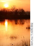 Купить «Рассвет на реке Ея», фото № 1630602, снято 10 апреля 2010 г. (c) Самофалов Владимир Иванович / Фотобанк Лори