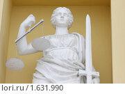 Купить «Санкт-Петербург, скульптура на здании Конституционного суда России», эксклюзивное фото № 1631990, снято 21 февраля 2010 г. (c) Дмитрий Неумоин / Фотобанк Лори