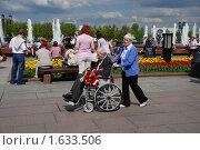 Купить «Девятого мая на Поклонной горе в Парке Победы. Москва», эксклюзивное фото № 1633506, снято 9 мая 2009 г. (c) lana1501 / Фотобанк Лори