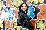 Девушка у стены с граффити, фото № 1635418, снято 17 апреля 2010 г. (c) Ткачёва Ольга / Фотобанк Лори