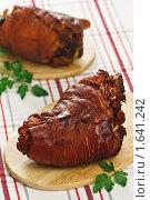 Купить «Рулька свиная отварная с луковой шелухой», эксклюзивное фото № 1641242, снято 19 апреля 2010 г. (c) Лисовская Наталья / Фотобанк Лори