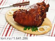 Купить «Рулька свиная отварная с луковой шелухой», эксклюзивное фото № 1641286, снято 19 апреля 2010 г. (c) Лисовская Наталья / Фотобанк Лори