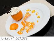 Купить «Молочно-фруктовый десерт», фото № 1667378, снято 21 февраля 2010 г. (c) Александр Подшивалов / Фотобанк Лори