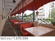 Купить «Летняя веранда ресторана», эксклюзивное фото № 1670594, снято 22 сентября 2008 г. (c) Иван Сазыкин / Фотобанк Лори