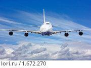 Купить «Пассажирский авиалайнер в небе», фото № 1672270, снято 22 апреля 2019 г. (c) Екатерина Тарасенкова / Фотобанк Лори
