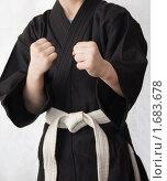 Чёрное кимоно и белый пояс. Стоковое фото, фотограф Александр Гречин / Фотобанк Лори