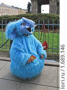 Купить «Человек. Реклама (голубой слон).», эксклюзивное фото № 1689146, снято 9 мая 2010 г. (c) Валентина Качалова / Фотобанк Лори