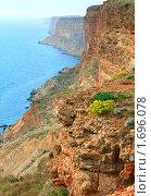 Купить «Скалистое побережье (вид с мыса Фиолент, Крым)», фото № 1696078, снято 11 мая 2009 г. (c) Юрий Брыкайло / Фотобанк Лори