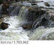 Небольшой водопад. Стоковое фото, фотограф Александр Малашко / Фотобанк Лори