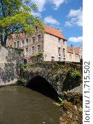 Купить «Старинный мост в Брюгге», фото № 1715502, снято 10 мая 2010 г. (c) Maria Kuryleva / Фотобанк Лори