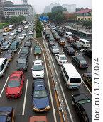 Купить «Пекинская автомобильная пробка», эксклюзивное фото № 1717074, снято 17 июля 2009 г. (c) Дмитрий Фиронов / Фотобанк Лори