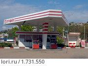 АЗС Лукойл в Севастополе (Крым) (2009 год). Редакционное фото, фотограф Алексей Судариков / Фотобанк Лори