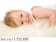 Купить «Маленькая лежащая девочка», фото № 1732890, снято 14 мая 2009 г. (c) Ольга Сапегина / Фотобанк Лори