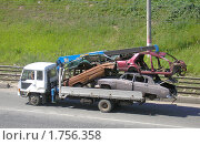 Купить «Утилизация старых автомобилей», фото № 1756358, снято 4 июля 2006 г. (c) Art Konovalov / Фотобанк Лори