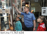 Экскурсия в милицейском музее (2010 год). Редакционное фото, фотограф Free Wind / Фотобанк Лори