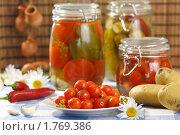 Купить «Консервированные помидоры черри», эксклюзивное фото № 1769386, снято 8 июня 2010 г. (c) Лисовская Наталья / Фотобанк Лори