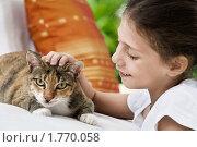 Купить «Девочка с кошкой», фото № 1770058, снято 14 марта 2010 г. (c) Дмитрий Эрслер / Фотобанк Лори
