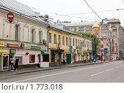 Купить «Москва. Солянский проезд», фото № 1773018, снято 13 июня 2010 г. (c) Илюхина Наталья / Фотобанк Лори