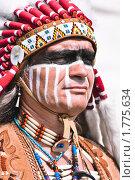 Купить «Индеец в яркой одежде», фото № 1775634, снято 13 июня 2010 г. (c) Евгений Захаров / Фотобанк Лори