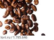 Купить «Сыплющиеся кофейные зерна», фото № 1785646, снято 22 июля 2019 г. (c) Антон Балаж / Фотобанк Лори
