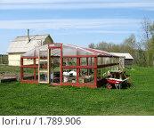 Деревянная теплица на приусадебном участке. Стоковое фото, фотограф Нина Забелина / Фотобанк Лори
