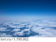 Яркое синее небо. Стоковое фото, фотограф Артём Ласьков / Фотобанк Лори