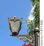 Купить «Фонарь на фоне голубого неба в Псково-Печорском монастыре», фото № 1811426, снято 29 июня 2010 г. (c) Валентина Троль / Фотобанк Лори