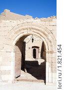 Купить «Вход в цитадель Эль Кусейр», фото № 1821454, снято 3 января 2010 г. (c) Яков Филимонов / Фотобанк Лори
