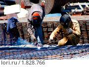 Купить «Сварщики», фото № 1828766, снято 8 июля 2010 г. (c) Хайрятдинов Ринат / Фотобанк Лори