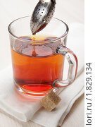 Купить «Приготовление чая», фото № 1829134, снято 29 июня 2010 г. (c) Stockphoto / Фотобанк Лори