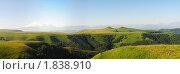 Купить «Панорама Главного Кавказского хребта от Эльбруса», фото № 1838910, снято 11 июля 2010 г. (c) Анна Мартынова / Фотобанк Лори