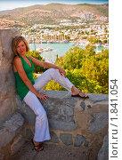 Купить «Женщина отдыхает на море», фото № 1841054, снято 27 июня 2010 г. (c) Анна Лурье / Фотобанк Лори