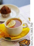 Чай и кекс. Стоковое фото, фотограф Фадеев Антон / Фотобанк Лори