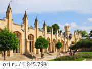 Купить «Фасад нарзанной галереи в курортном парке Кисловодска», фото № 1845798, снято 8 июля 2010 г. (c) Анна Мартынова / Фотобанк Лори
