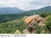 Купить «Живописный вид с горного обрыва», фото № 1850914, снято 9 июля 2010 г. (c) Григорий Стоякин / Фотобанк Лори
